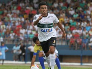 Rafhael Lucas marca duas vezes e Coritiba vence o Nacional