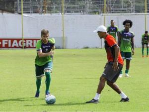 Diego Lorenzi comemora invencibilidade da Luverdense em 2018