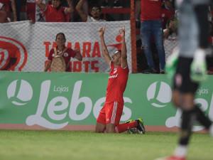 Thiago Galhardo marca no Gauchão